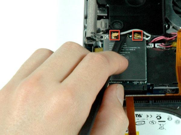 """MacBook Pro 17 """"Mô hình A1151 A1212 A1229 và A1261 – Thay thế loa phía trái"""