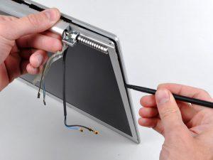"""MacBook Pro 17 """"Mô hình A1151 A1212 A1229 và A1261 – Thay thế Bezel hiển thị phía sau"""