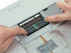 """MacBook Pro 17 """"Mô hình A1151 A1212 A1229 và A1261 – Thay thế RAM"""