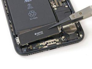 iPhone 7 Plus – Thay thế động cơ Taptic
