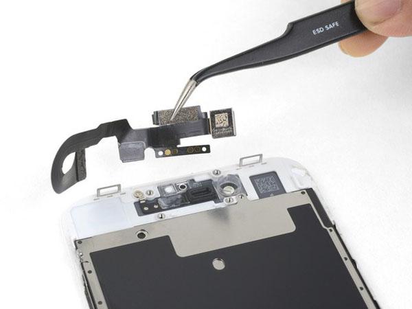 iPhone 8 – Thay thế camera phía trước và cáp cảm biến