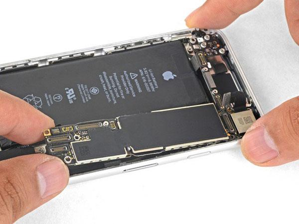 iPhone 8 - Thay thế bảng logic