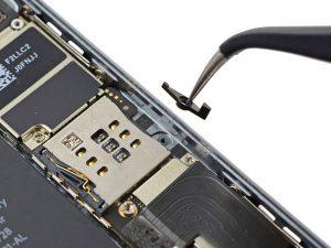 iPhone SE – Thay thế đòn bẩy đẩy SIM