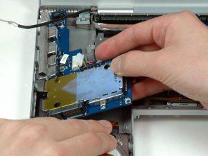 """MacBook Pro 17 """"Mô hình A1151 A1212 A1229 và A1261 – Thay thế Bảng I / O bên trái"""