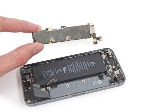 iPhone SE – Thay thế bảng logic