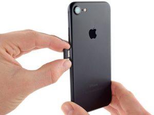 iPhone 7 – Thay thế thẻ SIM