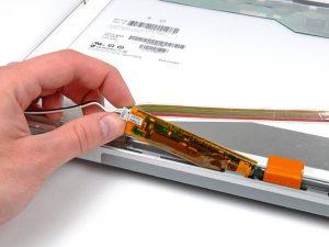 """MacBook Pro 17 """"Mô hình A1151 A1212 A1229 và A1261- Thay thế biến tần hiển thị"""