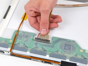 """MacBook Pro 17 """"Mô hình A1151 A1212 A1229 và A1261 – Thay thế cáp dữ liệu hiển thị"""
