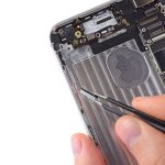 iPhone 6 Plus - Thay thế nút điều khiển âm thanh và nút chuyển đổi Rocker