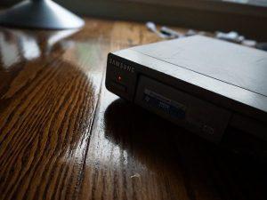Đầu DVD kỹ thuật số Samsung DVD-P231 – Hướng dẫn tháo lắp