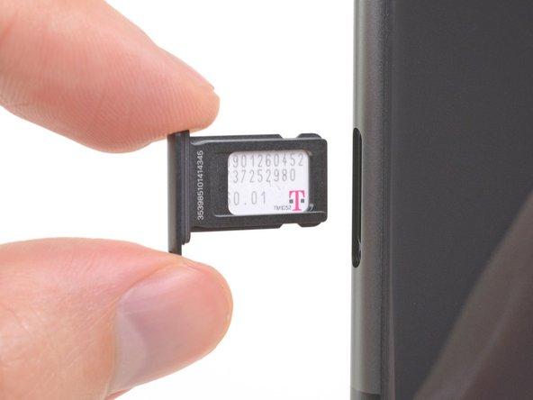 Thay thế thẻ SIM iPhone 11