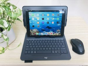 Bàn Phím iPad Pro 10.5 Hiệu Logitech Universal Folio