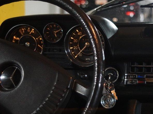 Cơ cấu bắt đầu kéo / núm gorilla của Mercedes W115 240D Thay thế