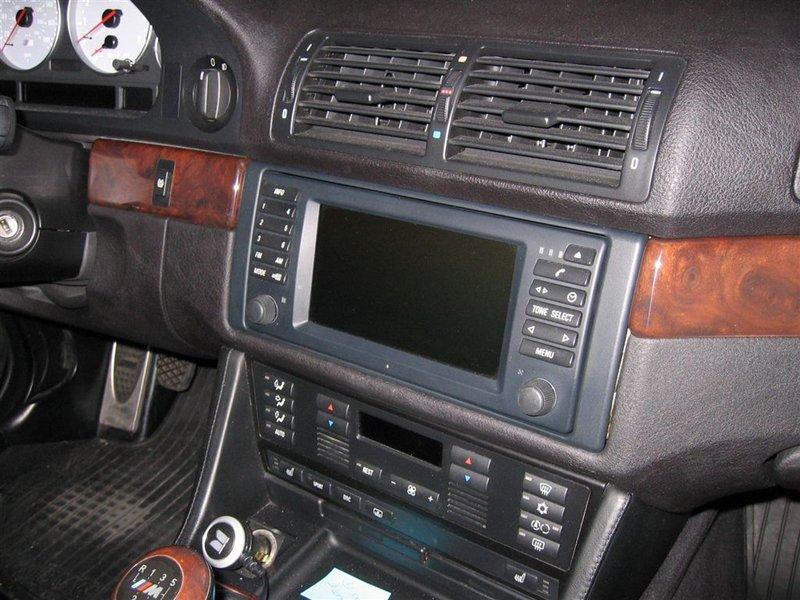 1997-2003 BMW 5 Series Nâng cấp những chiếc BMW đời 2000 trở về trước với Thay thế Điều hướng Màn hình rộng