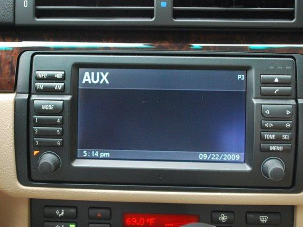 Lắp đặt cáp BMW OEM Aux cho BMW 5 Series 2003